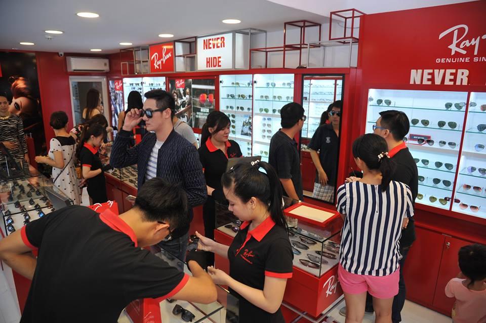Eyewear STORE sở hữu hai Showroom kính mắt Ray-Ban lớn nhất Việt Nam