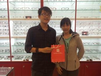 Xin cảm ơn vị khách hàng Nữ đã ủng hộ Eyewear STORE